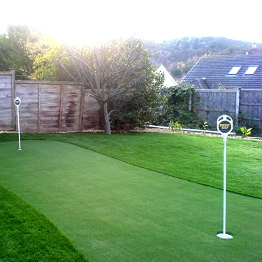 ... Merit Easy Install Putting Green ...